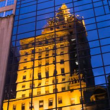 Reflet on the 5th Avenue